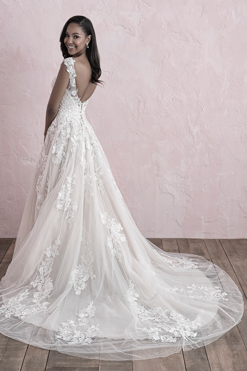 3262 Allure Romance Elegant Bridal Gown